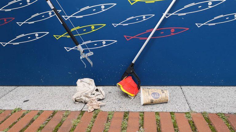 Abfallsammelaktion in der Kieler Innenstadt am Samstag