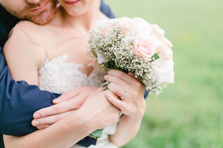 Vom Verlobungsring zum Ehering – Worauf Sie beim Kauf achten