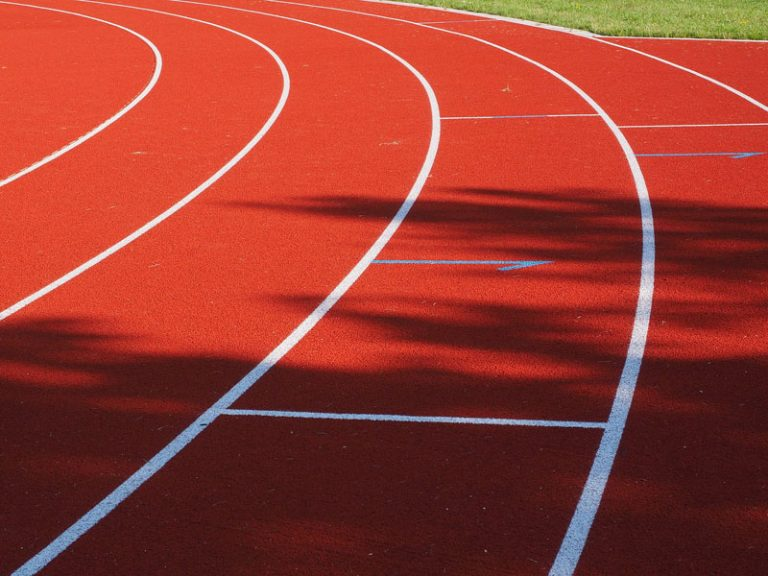 Innenministerium fördert Sanierung der Außen-Sportanlagen der Kieler Hebbel-Schule mit 250.000 Euro